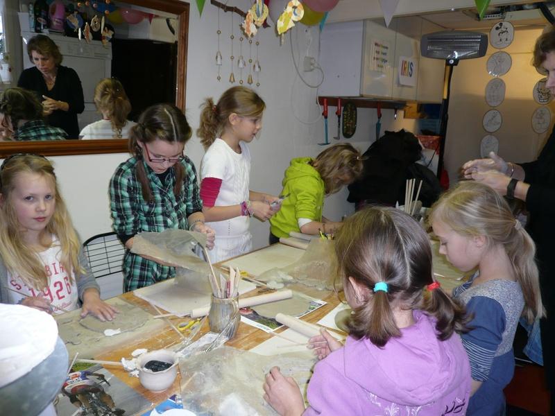 Pottenbakken bij Atelier Achterom